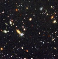 584px-Hubble_deep_field