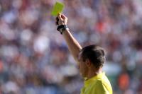 Arbitre-carton-jaune